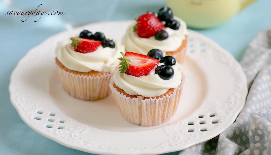 cach-lam-cupcake-kem-tuoi-banner
